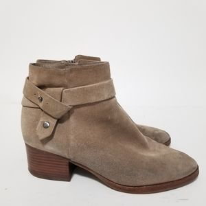 Via spiga size 8.5 suede booties